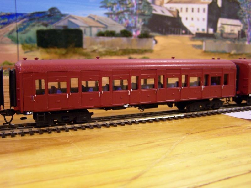 800 & 850 class cars (several) HO scale kits by Steve Gordon