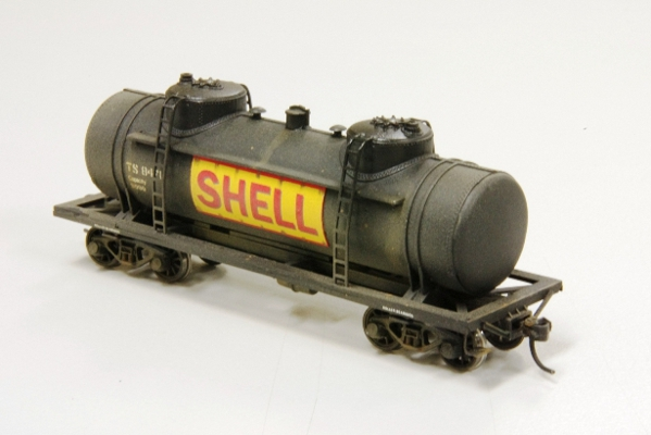 Shell tank kitbashed from Athearn 3 dome by G Thrum