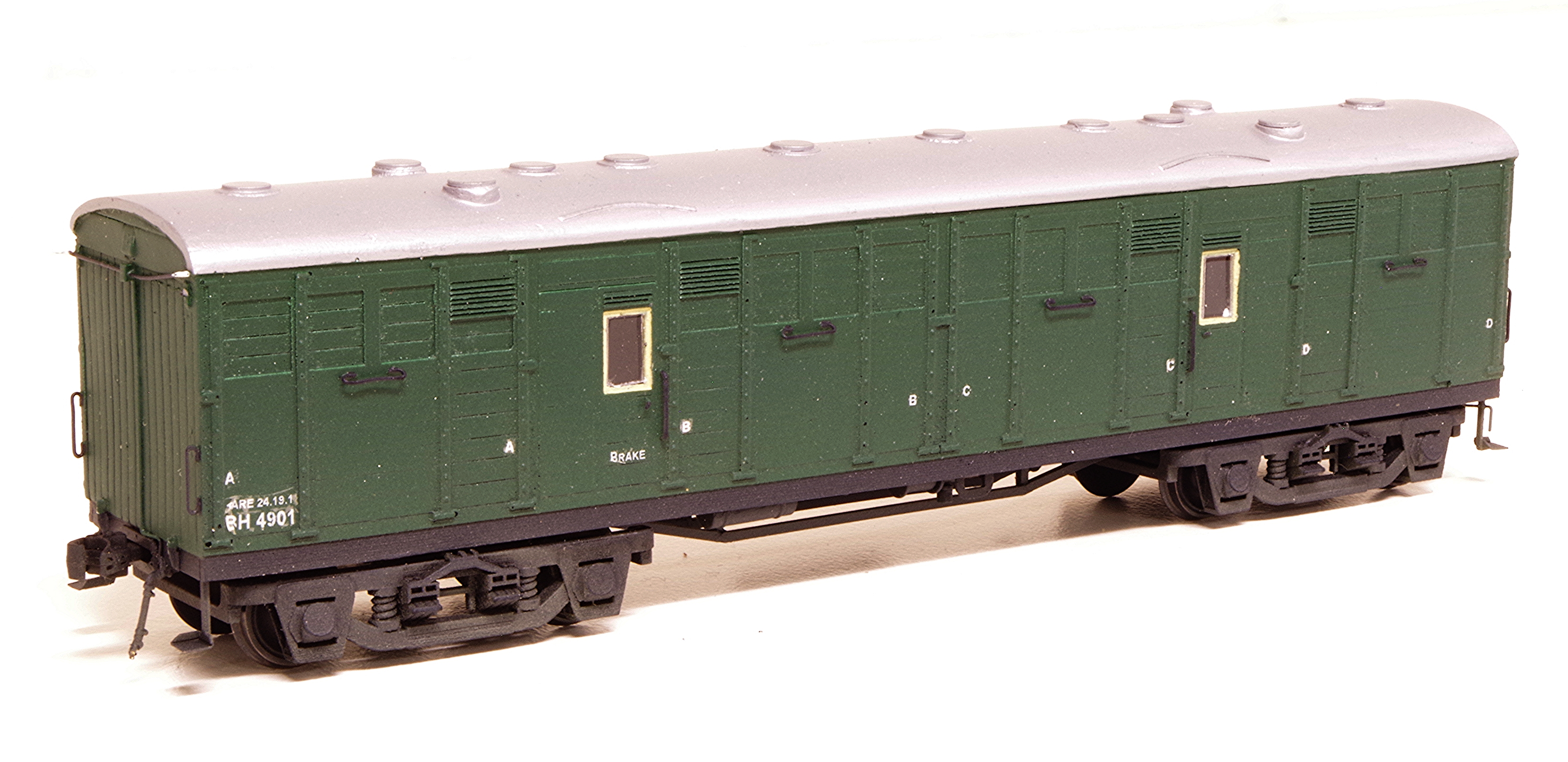SAR HO scale elliptical roof HB bogie Horse Box